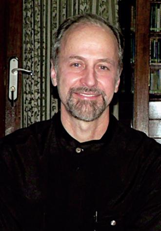 Robert W Hefner