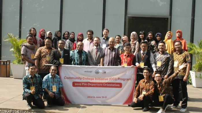 seluruh-peserta-program-community-college-initiative-berfoto-bersama